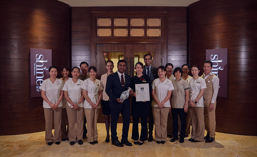 P:\Sales_and_Marketing\PR\Sheraton Macao Hotel, Cotai Central\Press Release\Sheraton Macao Hotel, Cotai Central\Awards\SpaChina Award 2019\Photo\Low res\ShineSpa Team Photo.jpg